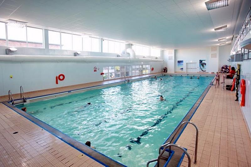 Things to do in Peterborough: Jack Hunt Swimming Pool - We Love Peterborough